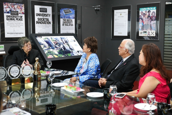 "Pink Ribbon Wellness Foundation honour Tan Sri Limkokwing: ""There are not enough words to express our heartfelt appreciation"""