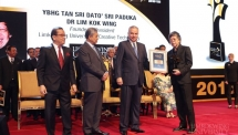 Founder and President of Limkokwing University receives Utusan's Lifetime Achievement Award